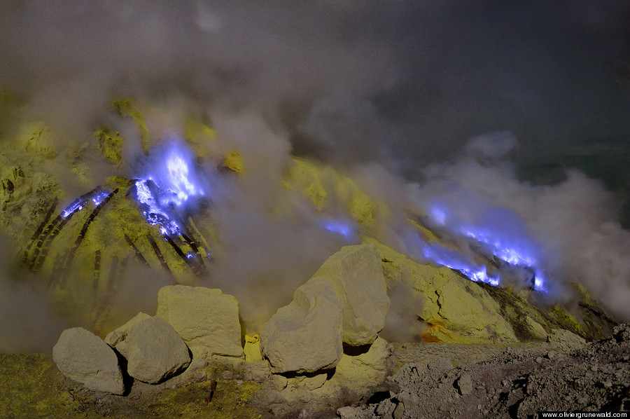 mars rover lights volcano - photo #24