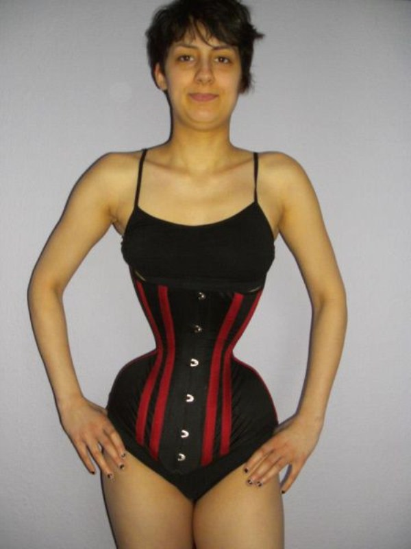wearing-corset-for-three-years-27